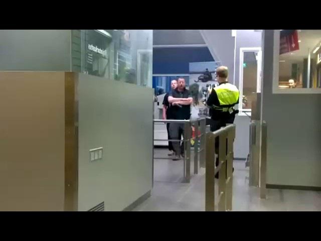 Русские мужики отожгли на финской границе. Спели песню Катюша