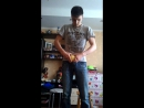 сломал яблоко голыми руками, стоя на героскуторе)) :D