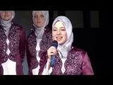 Мусульманка очень красиво поёт Нашид.
