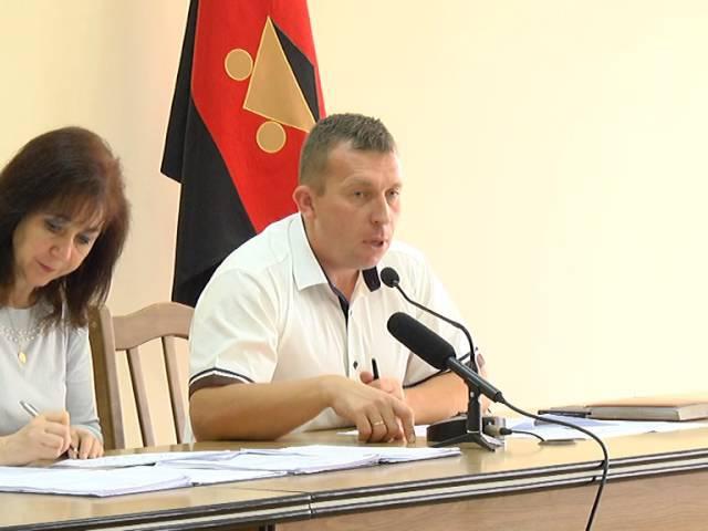 Засідання виконкому про бюджет компенсації перевізникам і про парковку на Шевченка