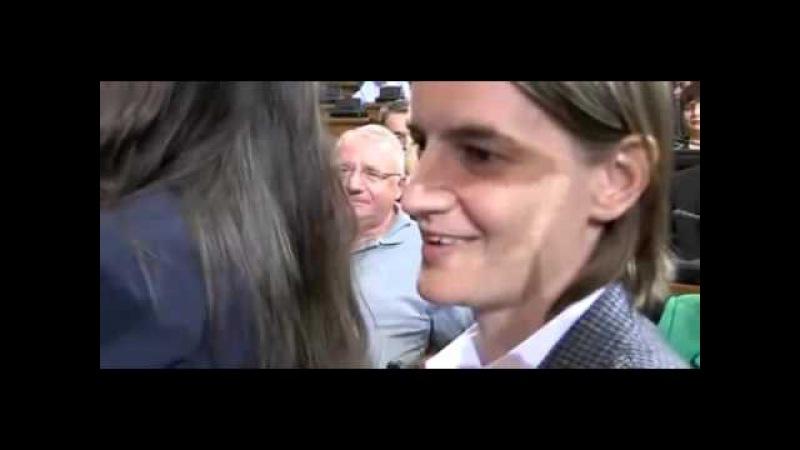 Seselj se sprda sa gej ministarkom, Rasimom i Vulinom