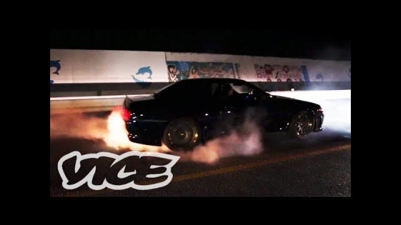 深夜に繰り広げられるカーレース - Illegal Street Racers in Okinawa