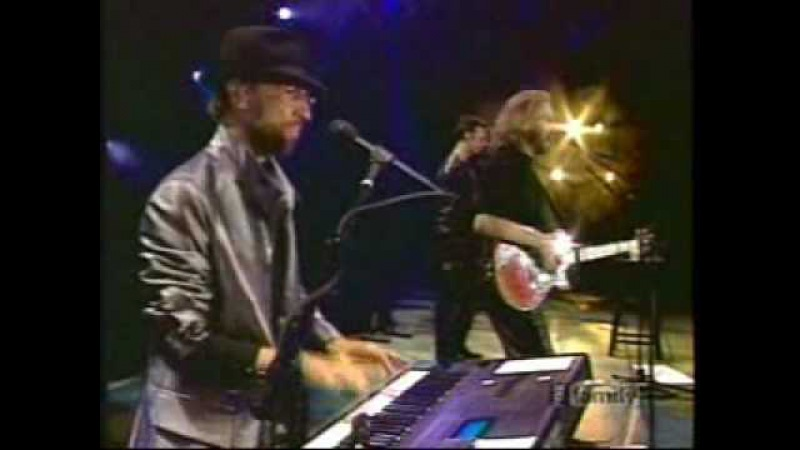 Bee Gees - Spicks and Specks(Fox Fam Concert) live in sydney