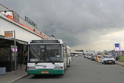 БЕСПЛАТНЫЙ ИнТЕРНЕТ в автобусах Петербурга следующих в аэропорт.