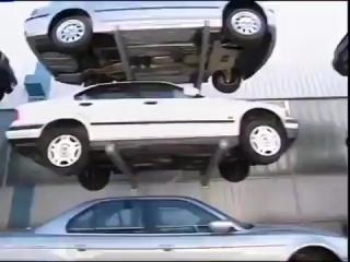 Утилизация автомобилей БМВ... Зрелище не для слабонервных...