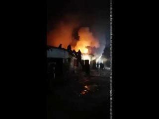 В Батайске на Пушкина большой пожар 23.12.2016