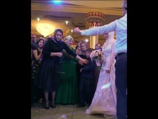 Танец Жениха и Невесты.Лезгинка | vk.com/skromno Скромно. 🌸