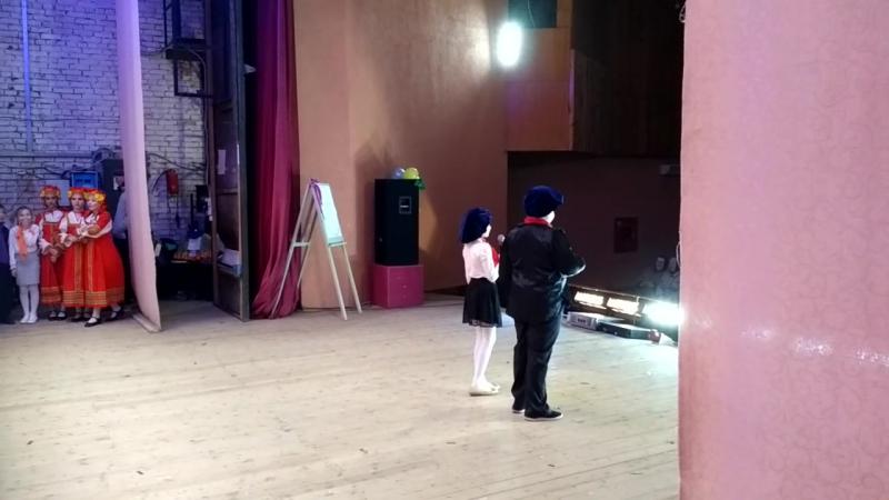 Начинаем концерт. Ведущие Паша Кокорин и Настя Куксарева