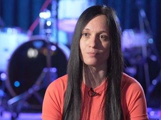 Порно журналистка и рок певица