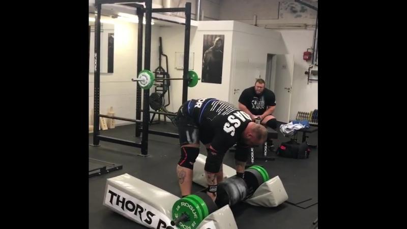 Hafþór Júlíus Björnsson ( Исландия ), бревно - 180 кг на 3 раза полным циклом, подготовка на АК - 2017 !