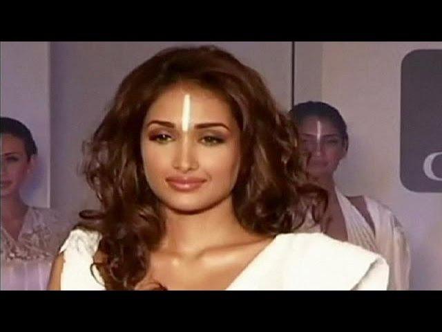 Индийская полиция расследует смерть звезды Болливуда