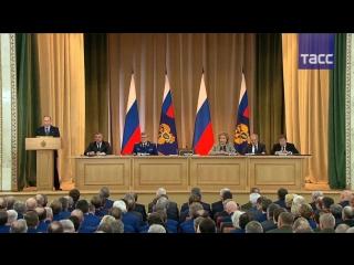 Путин призвал органы прокуратуры быть оком государства