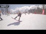 Более 1000 сноубордистов и лыжников в купальниках съехали со склонов «Розы Хутор»