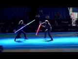 Поединок в стиле Звездных войн по фехтованию