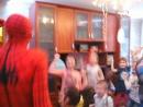 трансформер и человек паук любят танцевать!