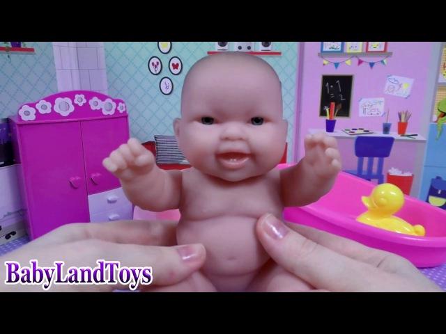 Кукла Пупсик Алиса Baby Doll Купается в ванной с конфетами MM Играем в дочки матери