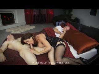 трахнула сына пока папка спит [HD 720, MILF, INCEST, Mother-Son, new porn 2017