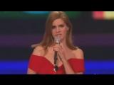21 февраля 2012: Лана получает награду «Международный прорыв» на «BRIT Awards»