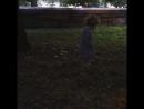 Аннушка ловит светлячков в Riverside Park
