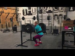 Front squat: 124 x 1 rep by Julie Abildgaard
