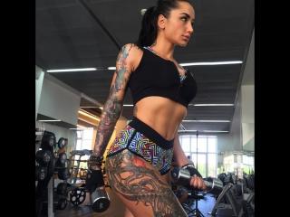Тренировка ринг-герл М-1 Анжелики Андерсон