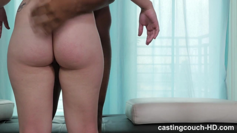 Негр выебал и накончал в рот девке на порно кастинг жесткое