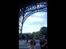 В 3-х часовой очереди на Эйфелеву башню