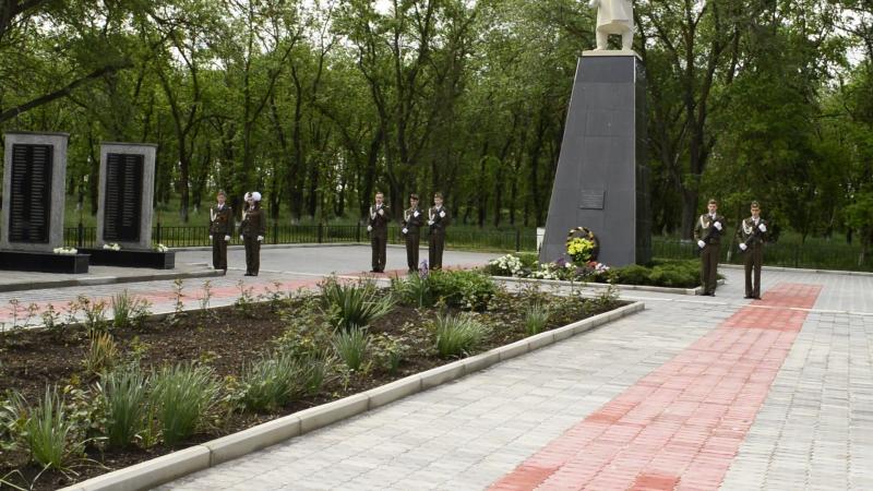 9 мая 2016г.Смена караула на мемориале.с.Бурлацкое.