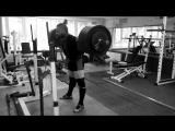 Алексей Никулин вес 81 кг приседает 290 кг на 2 раза. Без экипировки!