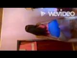 Novinha dançando e tirando a roupa no final
