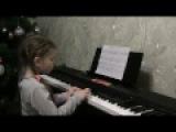 Маленькой ёлочке детская новогодняя песенка на фортепиано