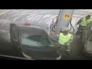 Полицейские ВАО задержали подозреваемого в грабеже на автозаправочной станции