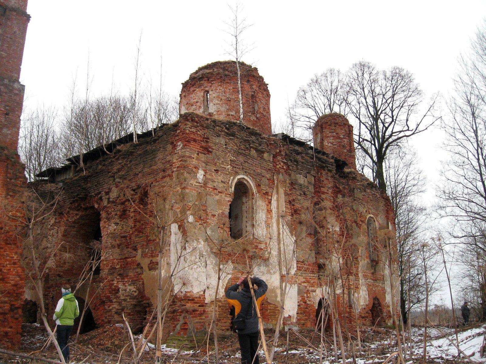 Каменные Поляны, Лужский район. Церковь, построенная по приказу Ивана Грозного.