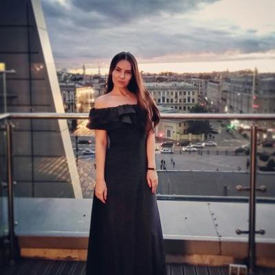 Вика Захарова