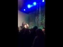 Голый поклонник выскочил на сцену во время выступления Ольги Бузовой