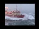 Страшный шторм в океане