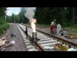 Термитная сварка рельс на железной дороге в Швеции