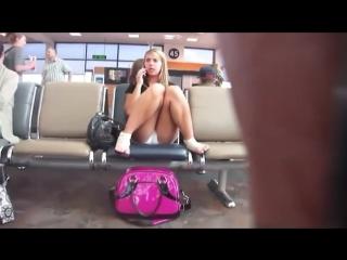 нагло трахнул стюардессу в юбке видео