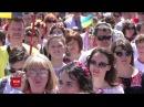 Близько тисячі людей у Миколаєві пройшлися маршем вишиванок