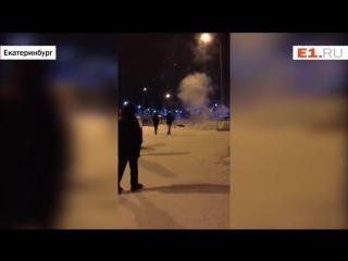 На Краснолесье парень зажёг без фитиля фейерверк-ракету