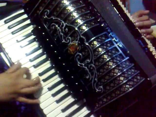 Barao sanfoneiro no studio tocando fom-firi-fifom (magnificos).mp4