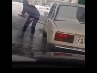 Как открыть авто топором и ломом? Лайфхак! :D [ vk.com/adv_club ]