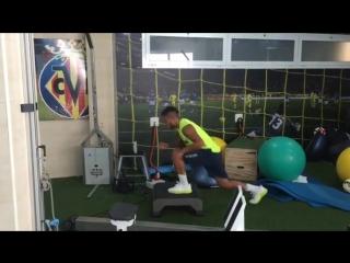Тренировка Хонатана дос Сантоса в тренажерном зале