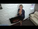 Видео Молоденькая мама с красивой грудью греется возле камина