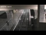Поезд-призрак попал на камеру видеонаблюдения в метро Лондона