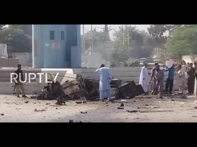 Пакистан: Смертельный взрыв убивает не менее восьми человек, недалеко от полицейского участка провинции.