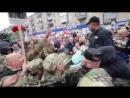 Мелитополь. 9 мая, 2017. Люди гонят бандеровских вонючек.