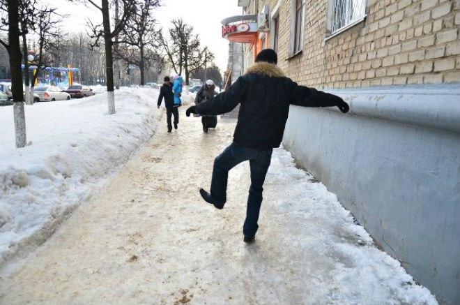 В Симферополе увеличилось число травмированных из-за гололедицы