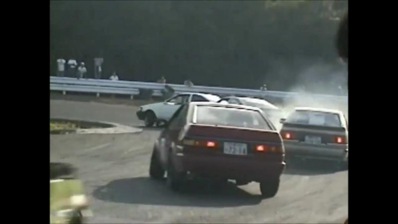 R U N N I N G F R E E 8 6 - AE86 drifting in the 1990's