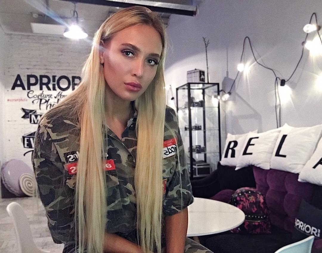 Лиза Полыгалова спела для своих подписчиков